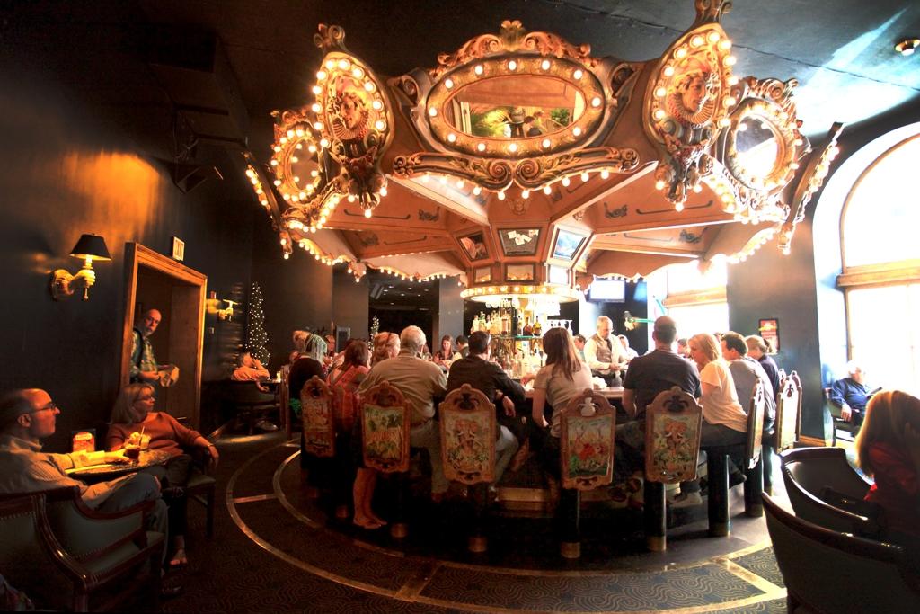 New Orleans Restaurant Hotel Monteleone